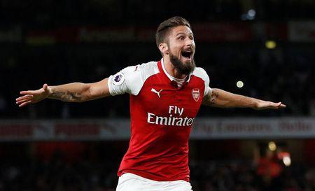 Giai cuu Arsenal, Giroud thiet lap cot moc khung - Anh 1
