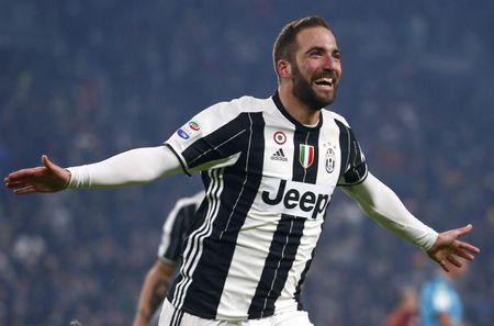 Doi hinh ket hop Juve - Lazio: Thanh Turin ap dao - Anh 11