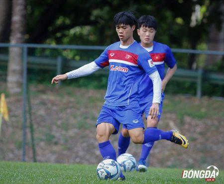 Bi chu nha SEA Games 29 lam kho, U22 Viet Nam 'va vat' le duong - Anh 8