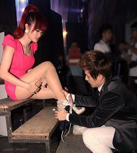 Ly do Dong Nhi - Ong Cao Thang ben vung gan 10 nam qua - Anh 6