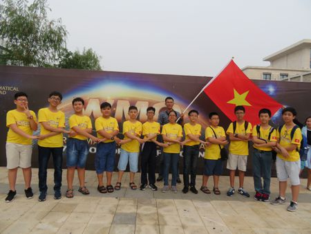 Viet Nam gianh 9 huy chuong tai Cuoc thi Olympiad Toan hoc the gioi - Anh 1