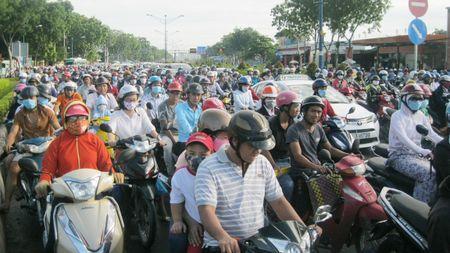 Gia dat tang theo… de xuat mo cong san bay - Anh 1