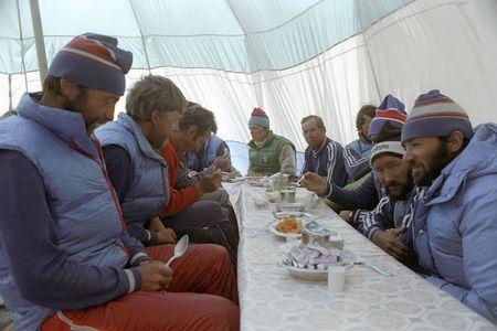 Anh hiem ve chuyen chinh phuc dinh Everest cua doan tham hiem Lien Xo - Anh 4