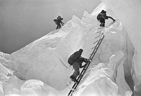 Anh hiem ve chuyen chinh phuc dinh Everest cua doan tham hiem Lien Xo - Anh 5