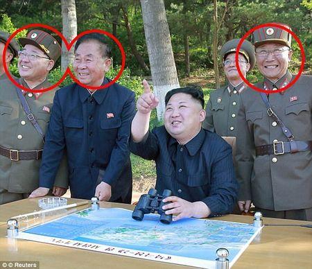 Vi tuong bi an dung sau Kim Jong-un co the khoi mao The chien III la ai? - Anh 4