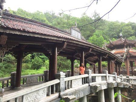 Chon Con Son co kinh va Dao Co yen binh de kham pha xu Dong - Anh 6