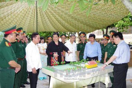 Pho Chu tich Thuong truc Quoc hoi Tong Thi Phong lam viec tai Hoa Binh - Anh 1