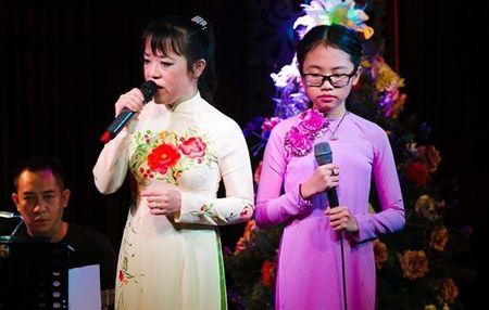 Vi sao gia dinh Phuong My Chi bat hoa? - Anh 1