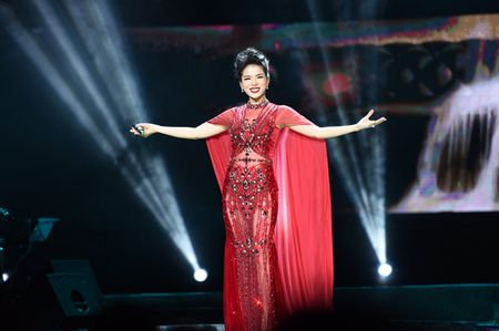 Le Quyen hoa co dau then thung ben Quang Dung - Anh 10