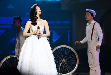 Le Quyen hoa co dau then thung ben Quang Dung - Anh 3