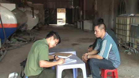 Hung Yen: Khoi to nhom doi tuong 'rut ruot', tieu thu xang dau bat chinh - Anh 1