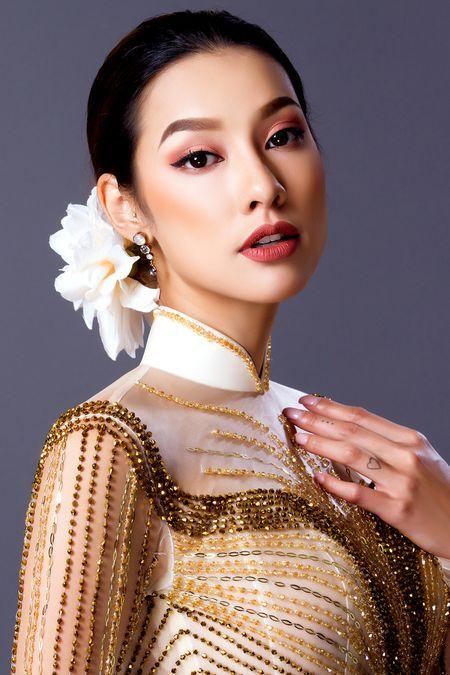 Lilly Nguyen dep quy phai trong ao dai cuoi truyen thong - Anh 1
