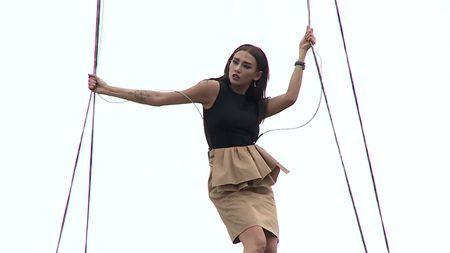 VNTM All Stars: Da khoc, da xiu nhung day la lan dau tien Cha Mi bi Nam Trung doa duoi ve - Anh 2