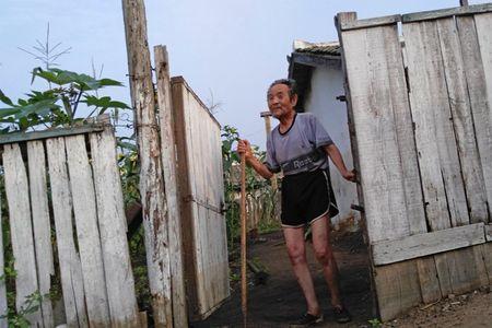 Bat chap ca the gioi tranh cai, ben trong Trieu Tien van that yen binh - Anh 6