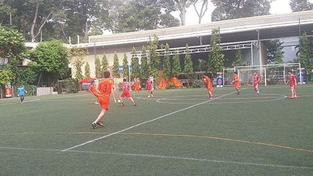 Vong chung ket Giai bong da Press Cup 2017: Lap lo 'ngoi vuong' - Anh 2