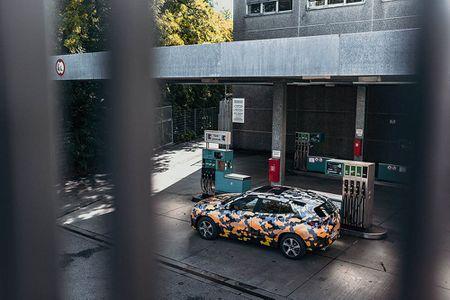 SUV Coupe BMW X2 hoan toan moi 'khoac' camo xuong pho - Anh 10