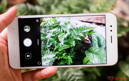 Thu kha nang 'ban pha' cua Xiaomi Mi 5X - Anh 2
