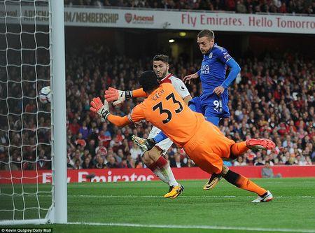 Khai man Ngoai hang Anh: Arsenal thang nghet tho truoc Leicester City - Anh 3