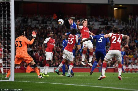 Khai man Ngoai hang Anh: Arsenal thang nghet tho truoc Leicester City - Anh 4