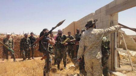 'Ho Syria', La chan Qalamount tan cong IS tai Hama - Anh 3