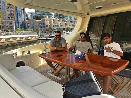 Con trai ty phu Dubai chua du tuoi da tau sieu xe - Anh 9