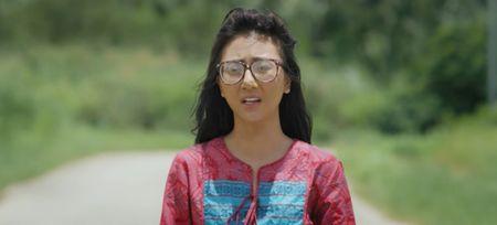 My nhan Viet va man chay dua 'lam xau' tren man anh 2017 - Anh 12