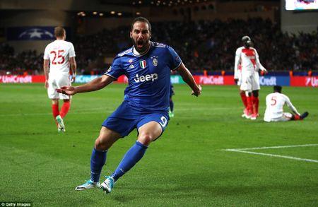 Diem tin sang 12.8: Arsenal chat vat ha Leicester, U22 Indonesia chot danh sach du SEA Games - Anh 4
