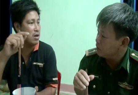 Tau ca cua ngu dan Quang Ngai bi dam chim o Hoang Sa - Anh 1