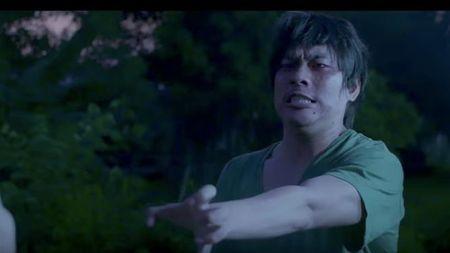 Kieu Minh Tuan day am anh khi 'tra thu' Cat Phuong trong 'Ram thang 7' - Anh 1