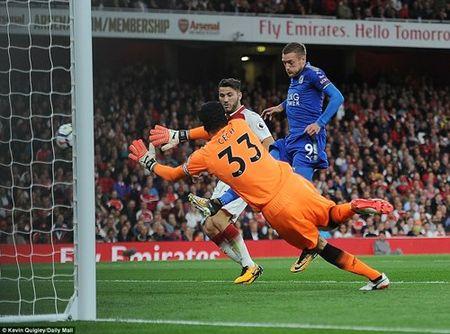 Arsenal danh bai Leicester trong 'con mua' ban thang - Anh 3