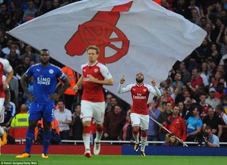 Arsenal danh bai Leicester trong 'con mua' ban thang - Anh 5