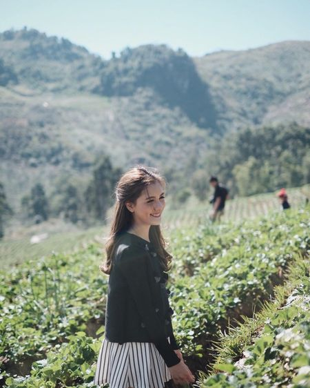 Hot girl Thai Lan 21 tuoi gay thuong nho voi nu cuoi toa nang - Anh 10