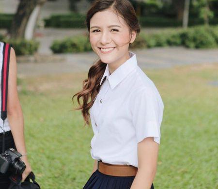 Hot girl Thai Lan 21 tuoi gay thuong nho voi nu cuoi toa nang - Anh 4