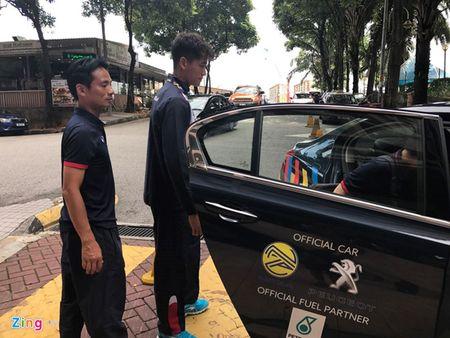 Phi Minh Long phai vao vien gap o Malaysia de kham chan thuong - Anh 1