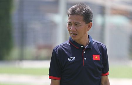 Ly do HLV Hoang Anh Tuan 'mat tich' o U18 Viet Nam - Anh 1