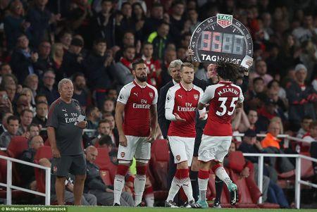 Arsenal 4-3 Leicester: Wenger thay nguoi cao tay, 'Phao thu' nguoc dong kich tinh - Anh 4