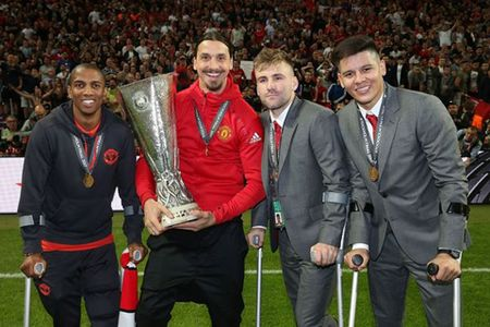 Jose Mourinho: 'M.U hoan toan co the vo dich Premier League' - Anh 3