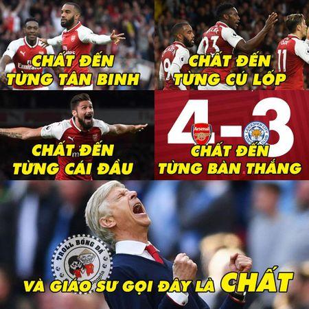Biem hoa 24h: Arsenal mo man Premier League 'chat' nhu Bphone 2017 - Anh 4