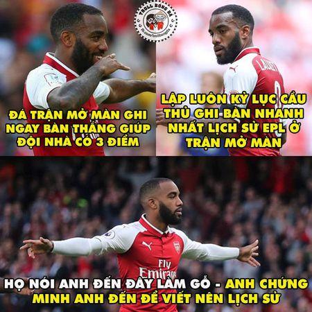 Biem hoa 24h: Arsenal mo man Premier League 'chat' nhu Bphone 2017 - Anh 6