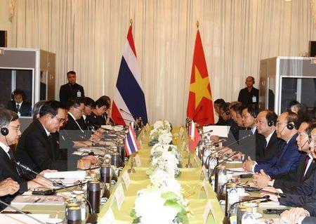 Thu tuong Nguyen Xuan Phuc hoi dam voi Thu tuong Thai Lan - Anh 2