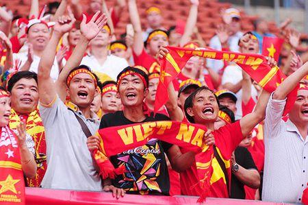 Xuc dong khoanh khac U22 Viet Nam xep hang chao CDV nha - Anh 10