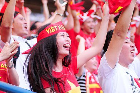 Xuc dong khoanh khac U22 Viet Nam xep hang chao CDV nha - Anh 9