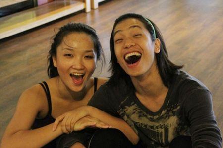 Chan dung tinh moi cua Ly Phuong Chau giua on ao ngoai tinh - Anh 4