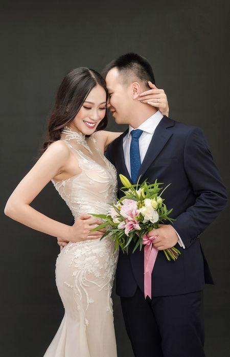 A hau Dai duong 2014 len xe hoa voi giang vien DH Ngoai thuong - Anh 7