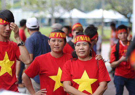 Cong Phuong lap cu dup, Viet Nam de bep Campuchia - Anh 6