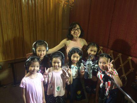 Chuong trinh 'Am vang chien cong': Hoi hop cung cac 'nghe si nhi' - Anh 1