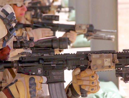 My quyet chon sung truong tan cong M-27 Duc de doi trong voi AK-12 Nga - Anh 11