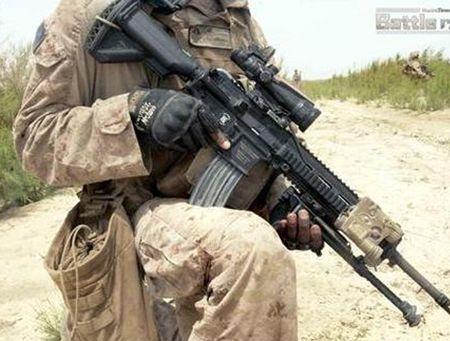 My quyet chon sung truong tan cong M-27 Duc de doi trong voi AK-12 Nga - Anh 7
