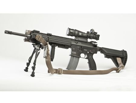 My quyet chon sung truong tan cong M-27 Duc de doi trong voi AK-12 Nga - Anh 8