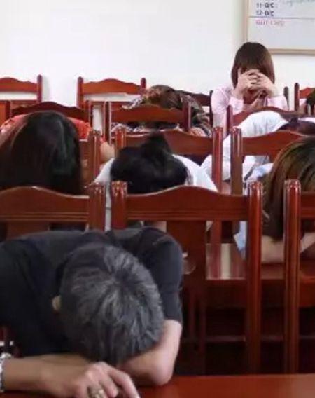 Hung Yen: Phat hien 12 doi tuong su dung ma tuy trong quan karaoke - Anh 1